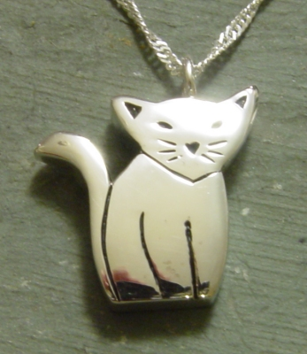 Cat cremation pendant urn