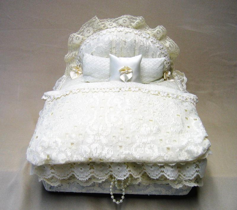 white lace bed box