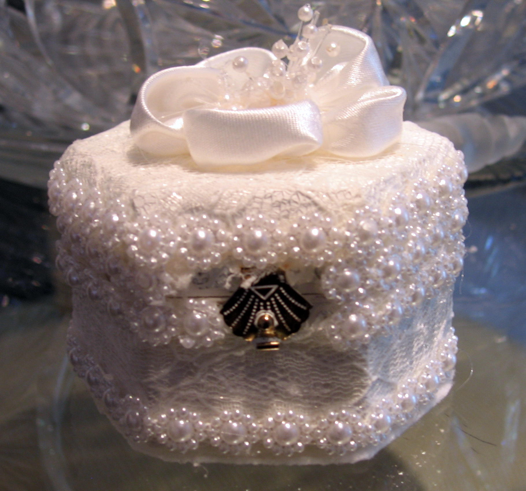 pearls and flower engagement ring box